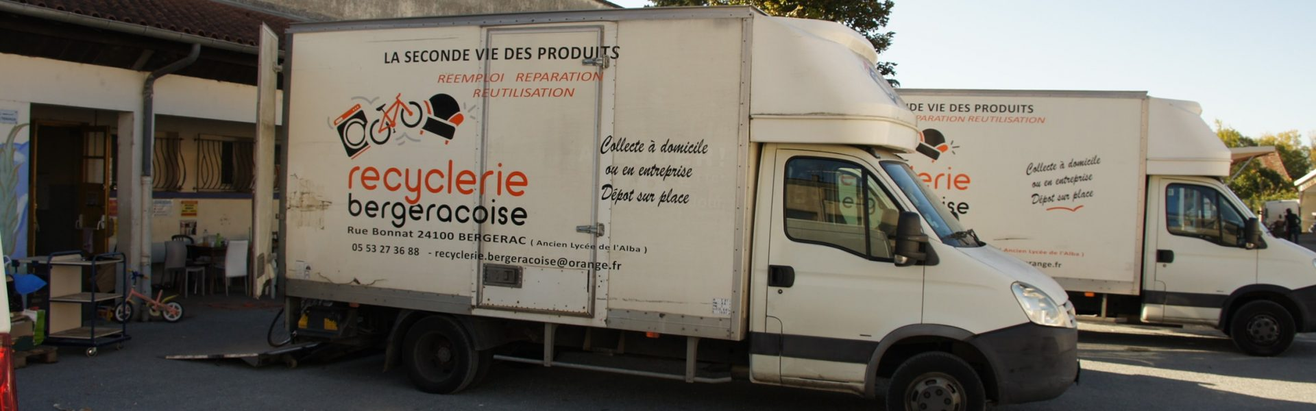 photo des camions de la recyclerie